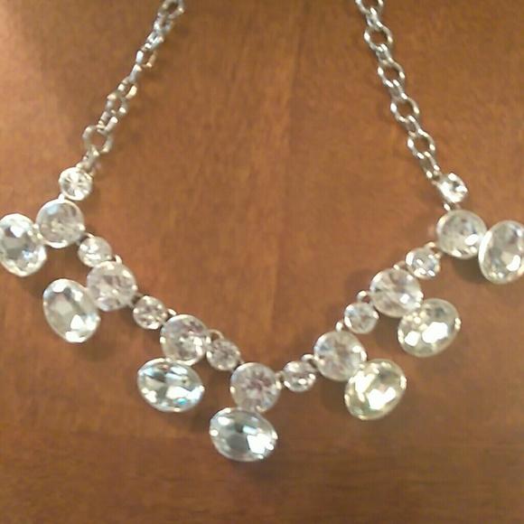 🎉😍 Gorgeous Nine West necklace